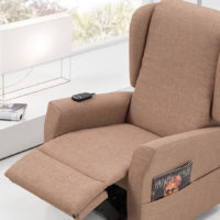 Mal di schiena: poltrone, divani e letti validi aiuti.