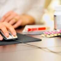 Farmacia online, la convenienza di acquistare sul web