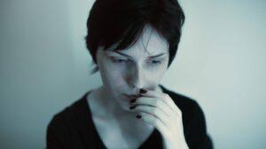Stati d'ansia e attacchi di panico: cosa sono e come curarli