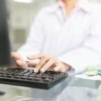 Come funziona la vendita di farmaci online