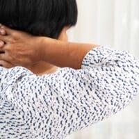 Cervicalgia, cos'è e come curarla
