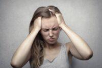 Come curare il mal di testa? Sintomi, cause e rimedi della cefalea
