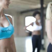 Irritazioni sul seno: cosa sono e come trattarle