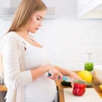 Alimentazione in gravidanza: cosa mangiare e cosa evitare