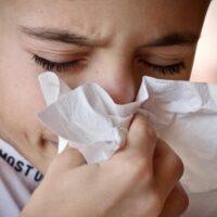 Come curare il raffreddore: farmaci e rimedi