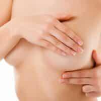 Come cambia il seno dall'adolescenza alla menopausa?